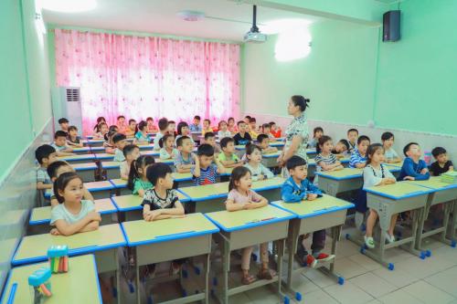 学前教育市场持续发展 专家:专业师资、规范体系是基础