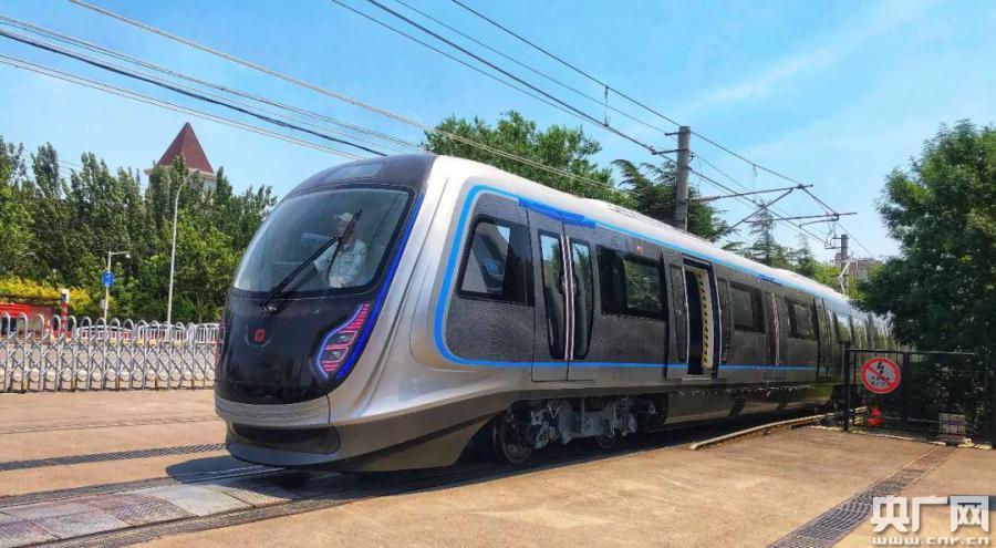 我国下一代碳纤维地铁列车成功试跑