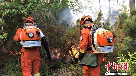 内蒙古大兴安岭原始林区突发两起森林火灾 扑救难度增大
