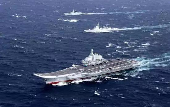 台媒:解放军航母编队接近关岛海域,现已进入南海