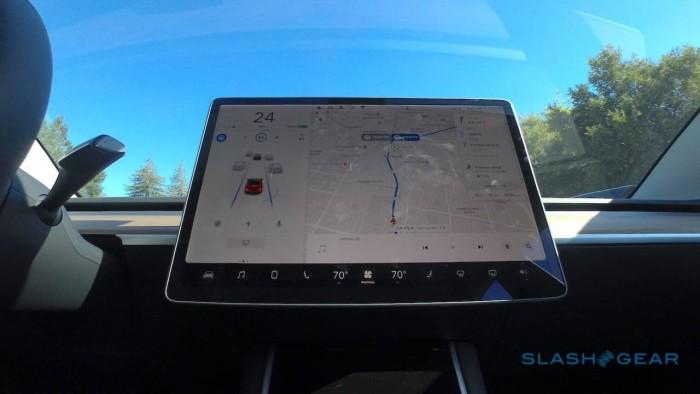 IIHS:Autopilot等汽车辅助技术存在误导性