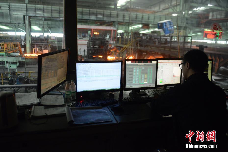 探访内蒙古包钢无缝钢管生产线