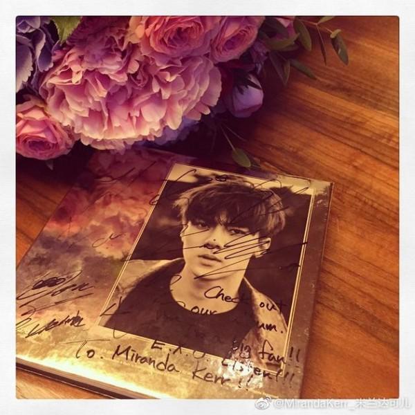 米兰达可儿艾特吴世勋 再次感谢世勋赠送的签名专辑