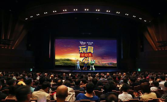 """《玩具总动员4》上海首映 何炅分享""""玩具记忆"""""""