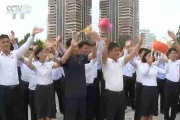 习近平出席金正恩举行的欢送仪式