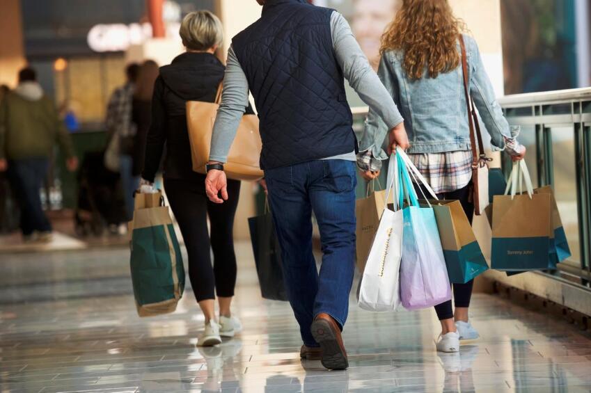 美国零售结合会:假如对华加税,美国花费者每年将多花122亿美元