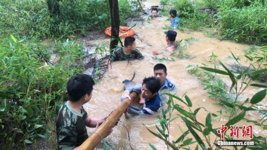 入汛来中国现20次较大范围强对流天气