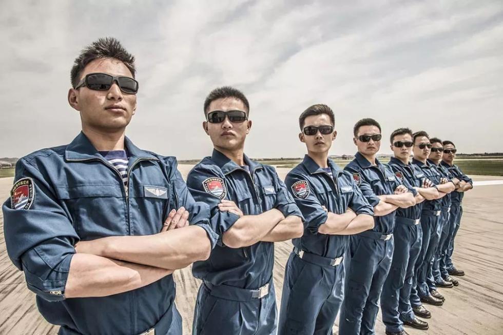 @高考生,我们向你推荐中国军校!