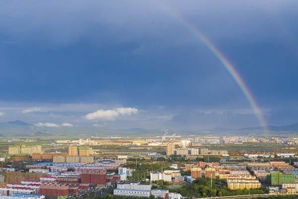 吉林珲春出现双彩虹