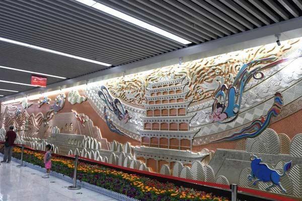 中国首条下穿黄河地铁在兰州开通试运营