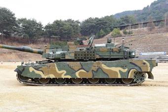 蹲下不容易挨打:韩国最先进坦克秀液气悬挂