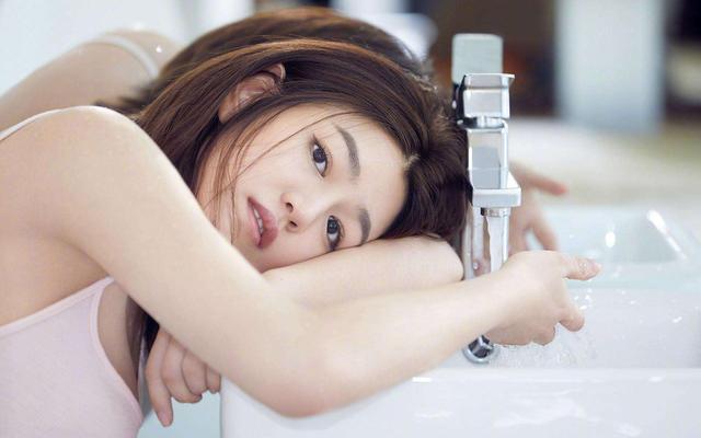 陈妍希为身材不吃肉不放盐,女明星的身材果然不是正常人能有的