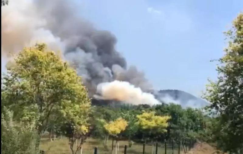 北京平谷突发山火!300多人紧急灭火中,注意安全!