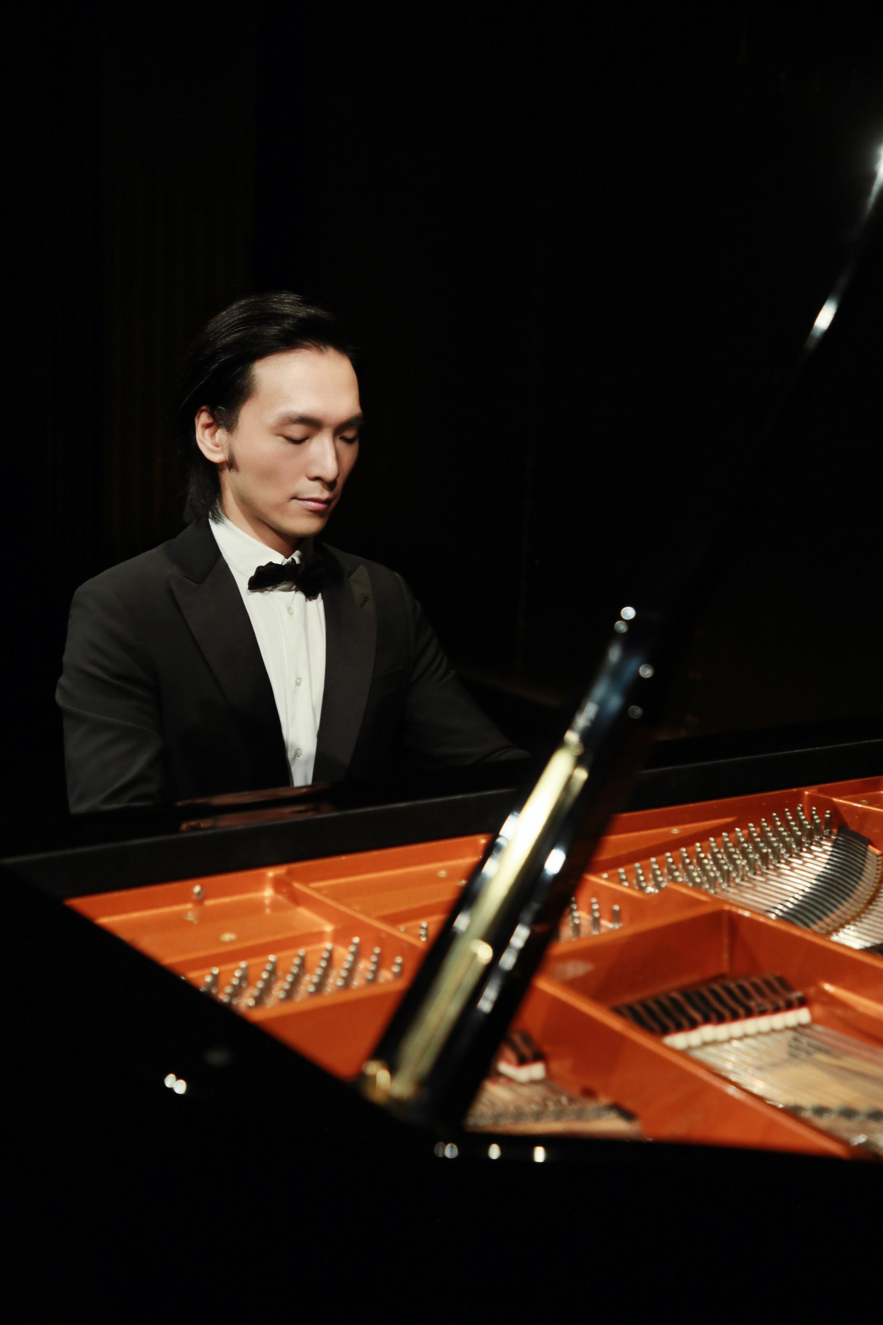吴牧野世界巡演登陆法国音乐节 一众国际巨星到场欣赏
