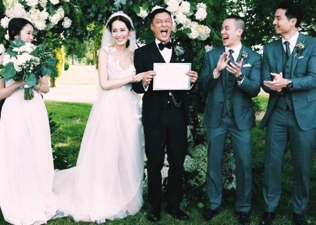 余文乐老婆王棠云近照,背景大到不像话,网友:余文乐明显高攀了