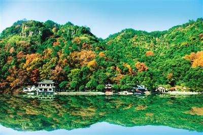 """石舍已成为""""旅游风景小镇""""中的一颗璀璨明珠,大有古人赞叹的那种""""钱塘"""
