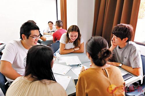 """港媒:港中大推""""换语""""计划 助各地学生学习不同语言"""