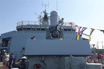 英国海军旗舰开放展示 船体不少细节公开