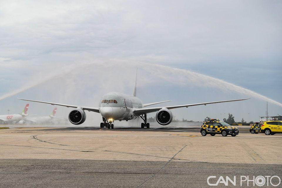 卡塔尔航空开辟里斯本航线 首航飞机享受水门礼