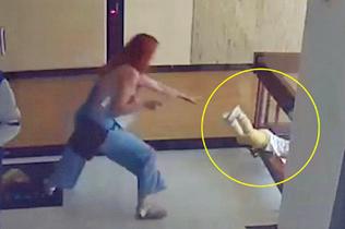 哥伦比亚男孩不慎坠楼 妈妈一秒扑过去救儿子