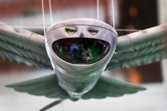 俄罗斯自研仿生无人机曝光 鹰翼顶着大囧脸