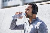 热天跑后不能喝冰水? 两种情况更需提防