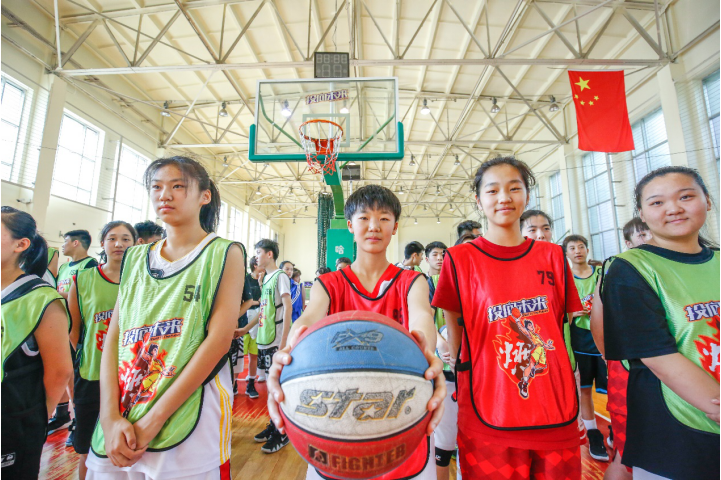 燃动青春投向未来 青少年圆梦留学欧洲篮球强国