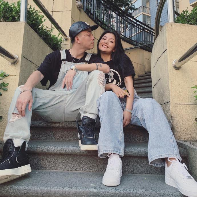 《有嘻哈》选手Jony J公布恋情 与六年前女友复合