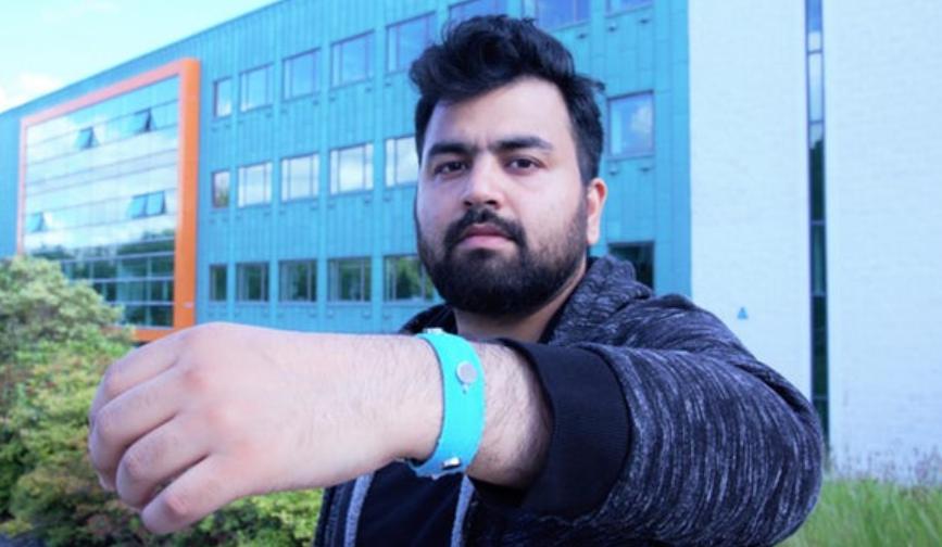 实验性腕带可以在佩戴者情绪状态发生变化时发出提醒