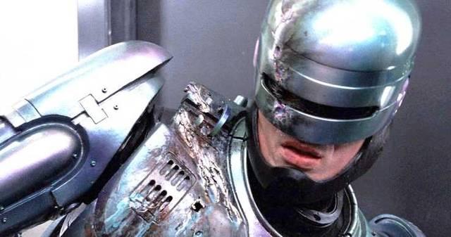 100%正品!《机械战警回归》启用1987原版制服
