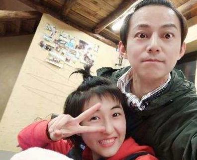 看到何炅的腿,居然比妹妹张子枫还要瘦,黄磊:何老师吃不胖呀