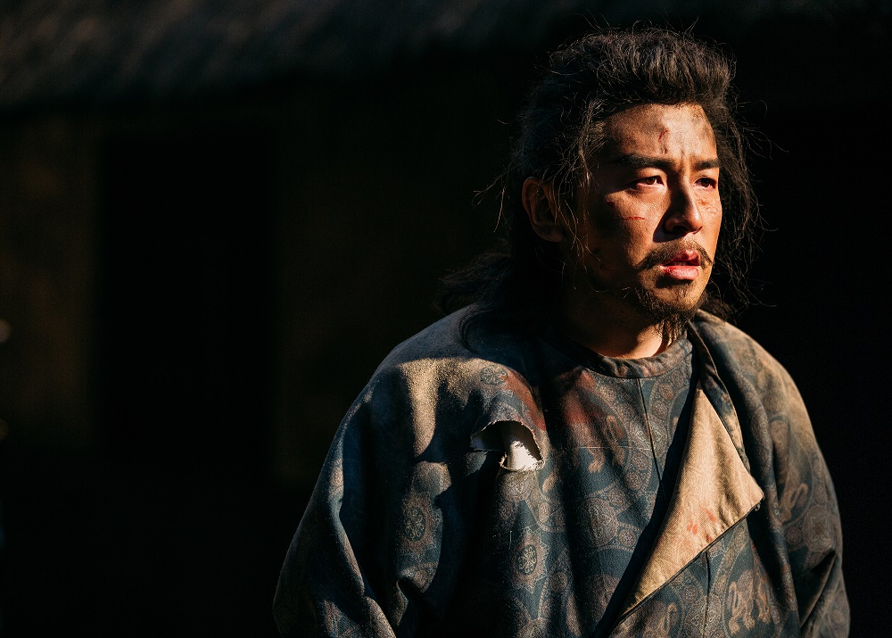 雷佳音新造型出演电视剧《长安十二时辰》