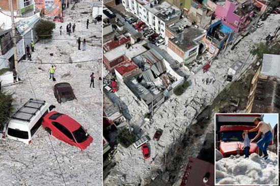 墨西哥一城市遭罕见冰雹袭击 冰层1.5米车辆被埋