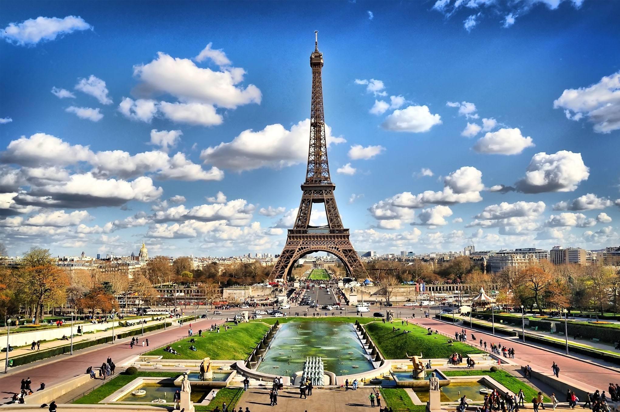 法国宣布解除巴黎热浪警报 但南部气温仍高居不下