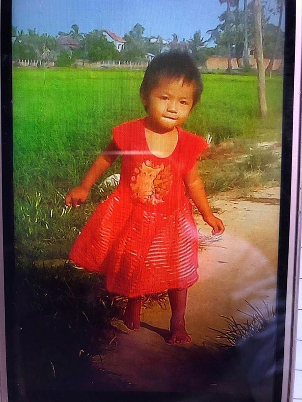 柬埔寨一2岁女童因妈妈疏忽误掉鳄鱼池 被活活吃掉
