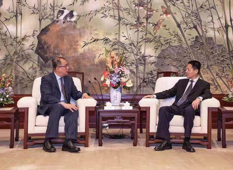 上海市副市长吴清会见高通中国区董事长孟樸