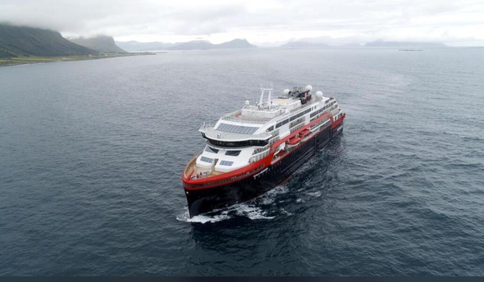 全球首艘混动游轮起航 从挪威驶往北极再到南极
