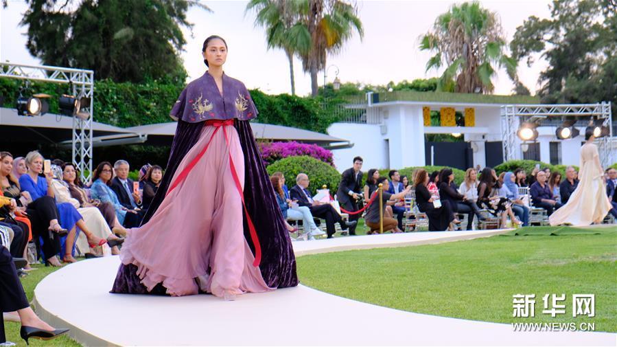 中摩时装秀在摩洛哥举行