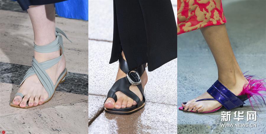 2019春夏流行趋势盘点:趾环凉鞋