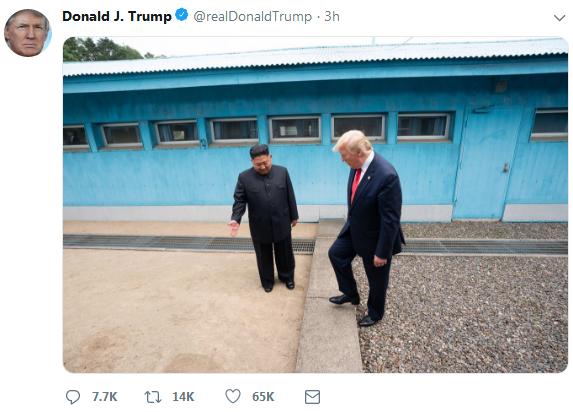 """刚刚,特朗普在推特上""""晒""""出了他的""""历史性一跨"""""""