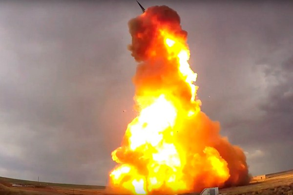 俄罗斯试射新型反导导弹