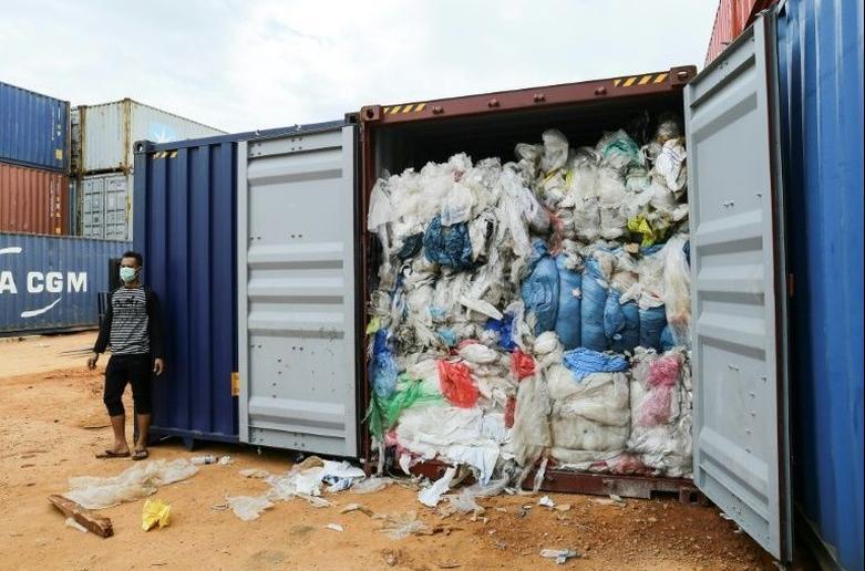 印尼退返来自西欧的入口垃圾