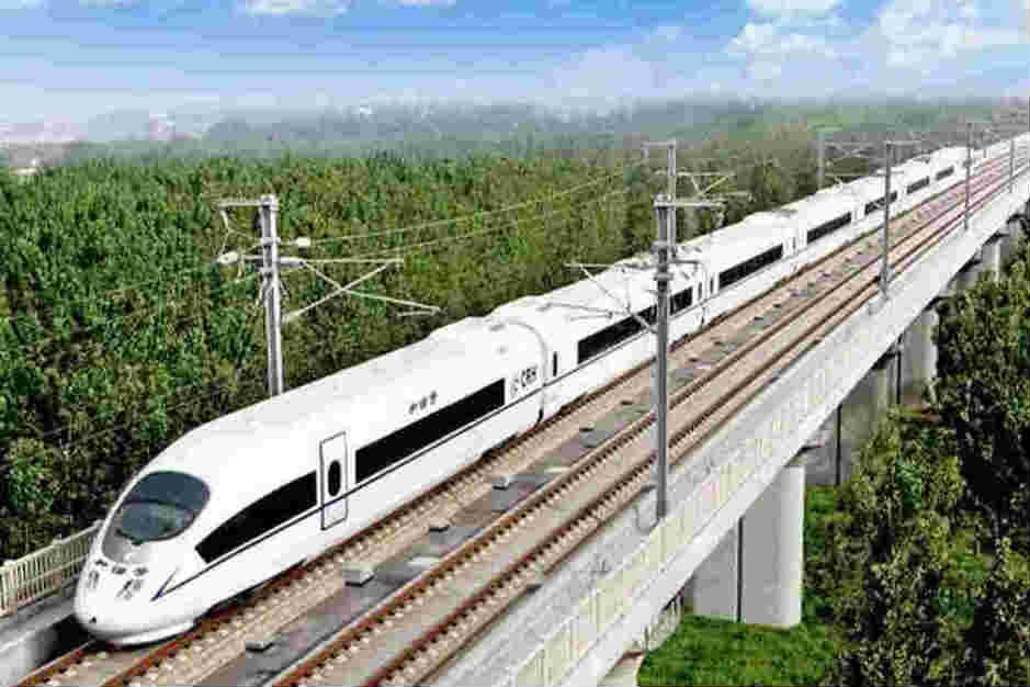 全国铁路将调图力保暑运
