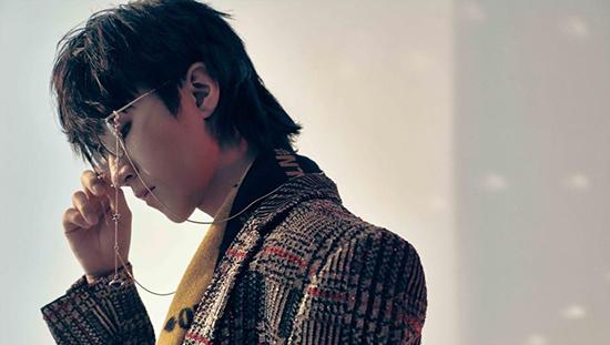 王俊凯登杂志封面 挑战日式发型少年初露锋芒