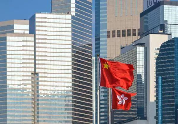 香港警方拘捕16男2女 涉冲击立法会等多项暴力事件