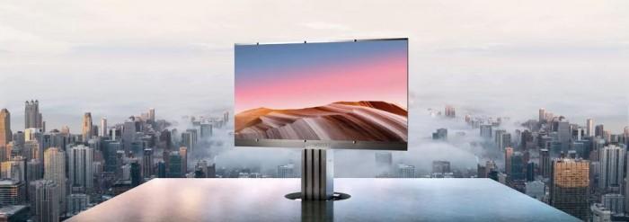 你愿意花150万美元买301英寸的户外电视吗