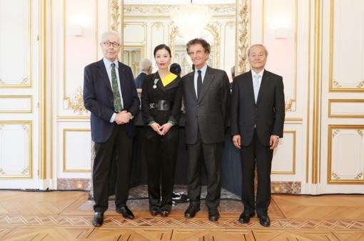 开创中法文化艺术交流新时代 赵倩女士获颁法兰西骑士勋章