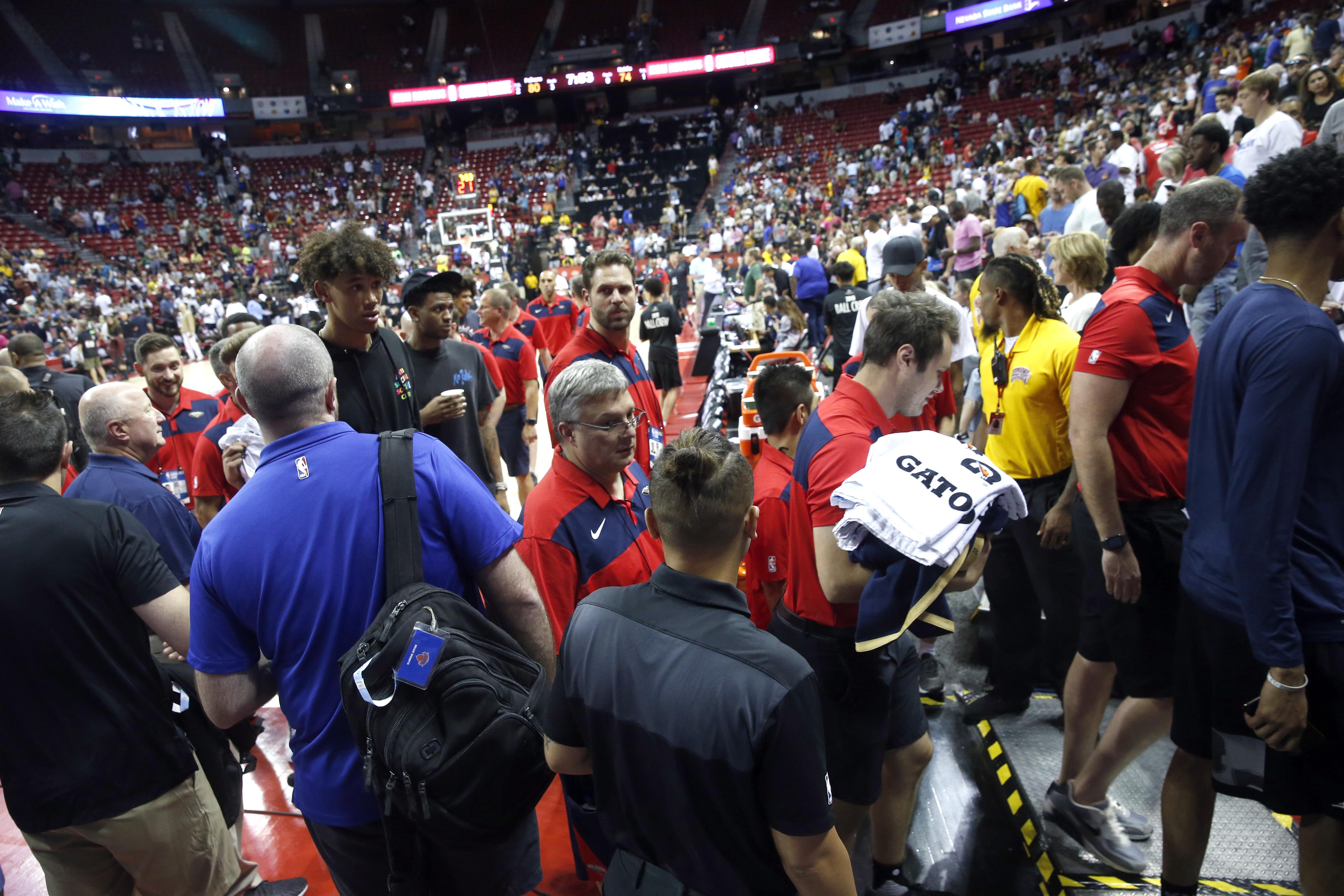美国加州南部发生7.1级地震 NBA比赛被中断