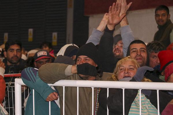 阿根廷體育館向無家可歸民眾開放 助其安然過冬