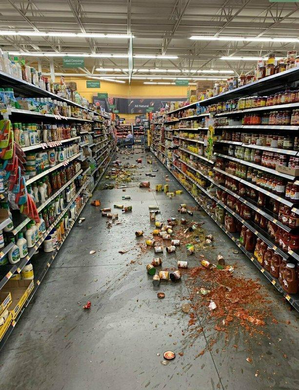 加州6.9级地震引发大火 专家:恐有更多余震